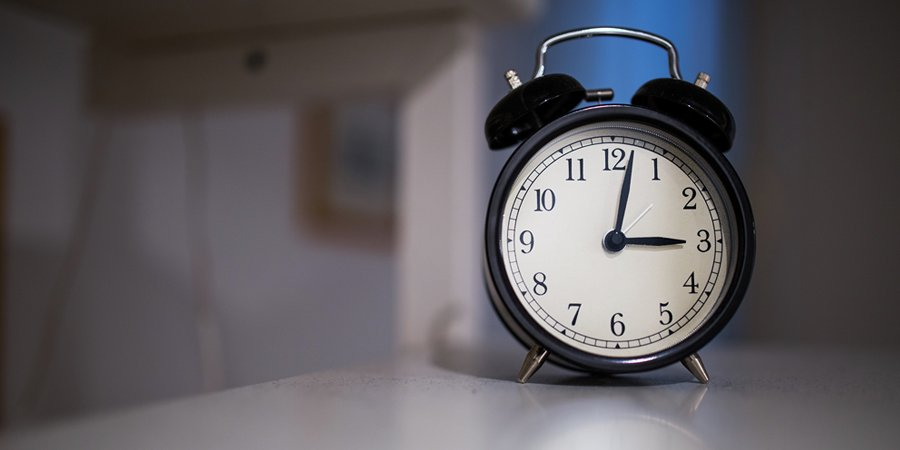 4 Ways Daylight Savings Time Messes with Your Brain & What to Do About it
